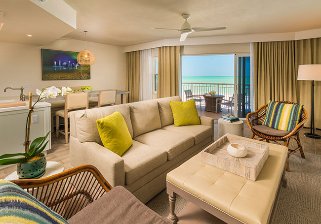 Luxury King Suite in Beach House Suites