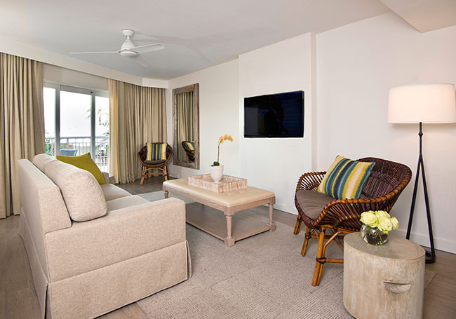 Beach House Suites offering Deluxe Queen Suite with Roll-in Shower