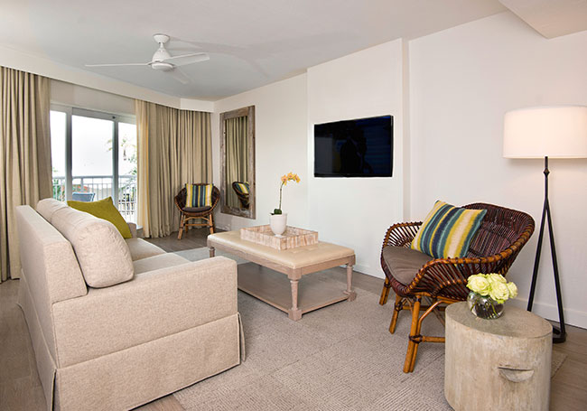 Grand Queen Suite with Roll-in Shower in Beach House Suites