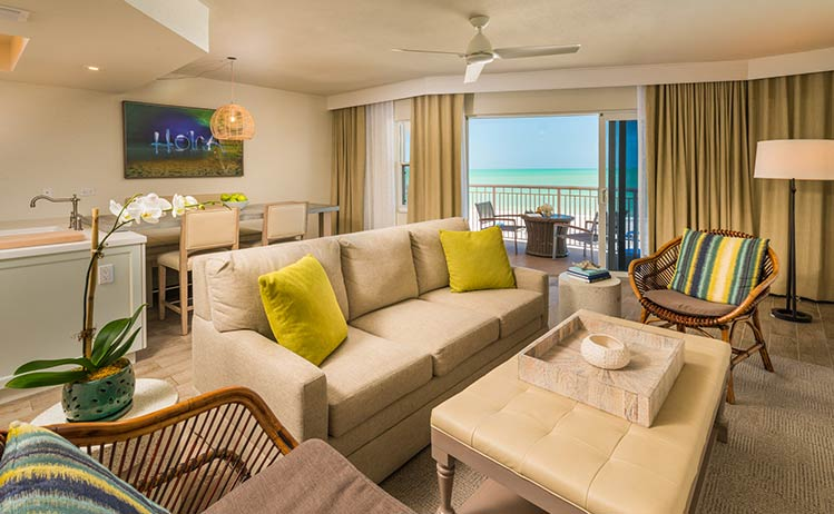 Grand Kind Suite in Beach House Suites, St. Pete Beach