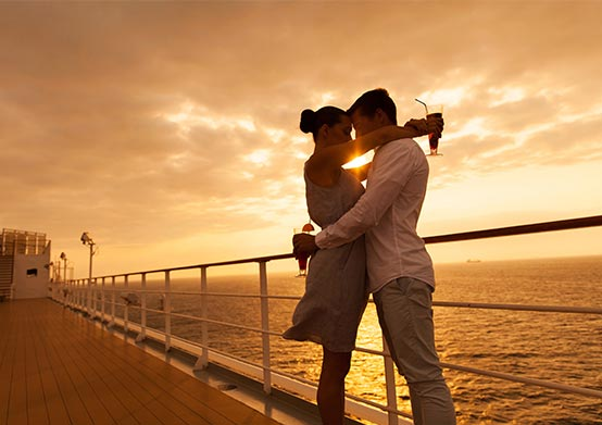 Romantic Sunset Sailing Cruise Package in Florida Hotel