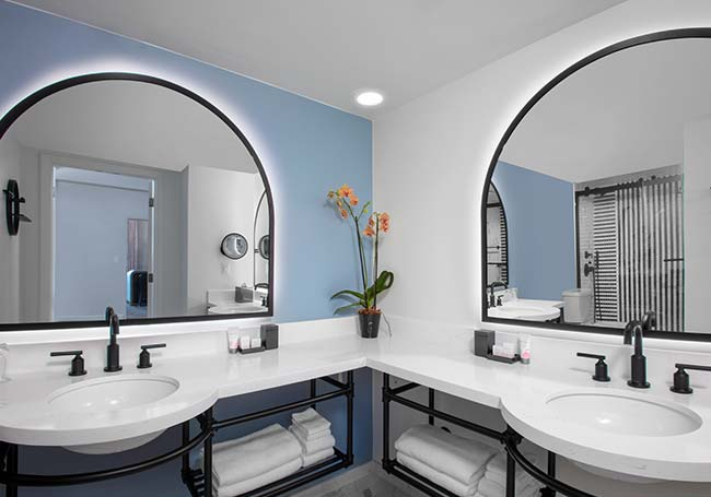 277 Completely Renovated Guestrooms