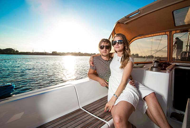 Romantic Sunset Sailing Cruise Offer at Florida Hotel